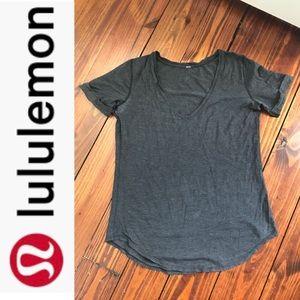Lululemon t shirt sz medium